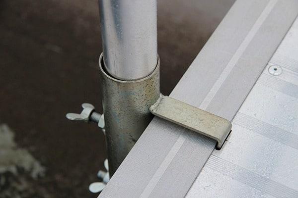 Anclaje pasarela aluminio