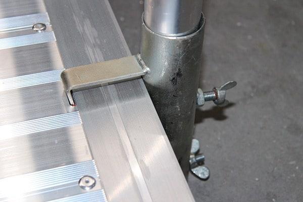 Anclaje ASC de aluminio para pasarelas